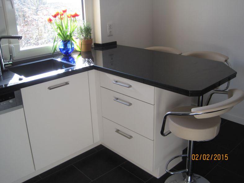 wir freuen uns jeden tag wieder ber unsere neue k che. Black Bedroom Furniture Sets. Home Design Ideas