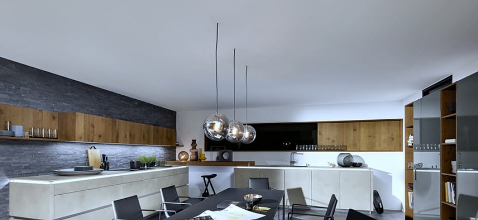 U-Küche Riva Iconic Beech mit Nero Pretoria