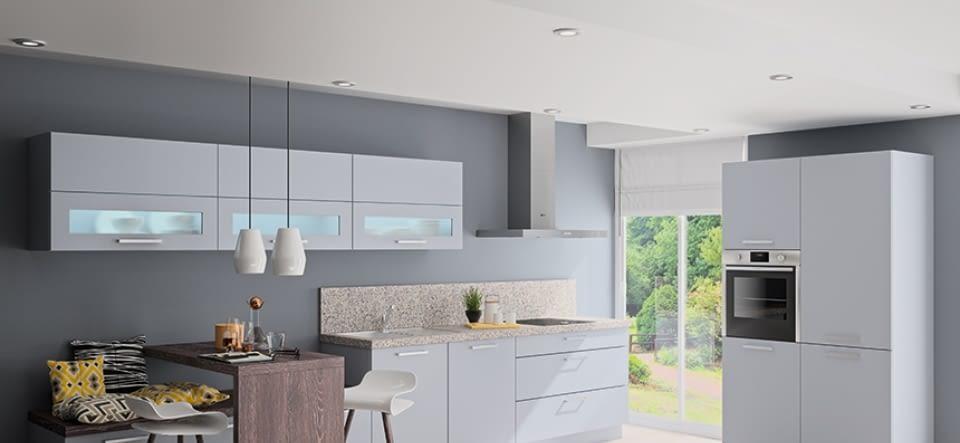 Klassische 2-Zeilenküche mit Granitstein - Marquardt Küchen