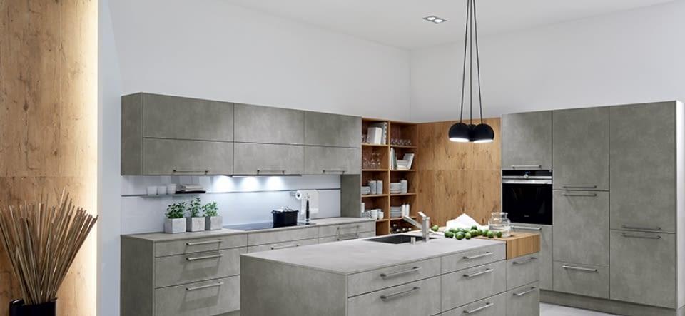 Inselküche Kiruna Birke mit Woodstone Wenghe Marquardt-Küchen
