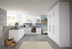 Küchenplaner u-form  Landhausküche in U-Form mit Breccia Imperiale