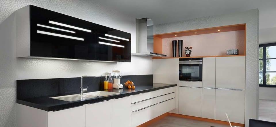 Moderne küche l form  Moderne L-Küche Chicago Magnolia mit Oro Preto – Marquardt Küchen