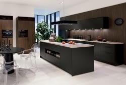 Moderne Küche Havannaschwarz & Sherwood dunkelbraun - Marquardt Küchen