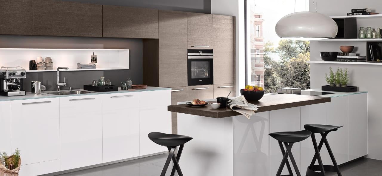 moderne 2 zeilen k che nova lack arcticwei und eiche. Black Bedroom Furniture Sets. Home Design Ideas
