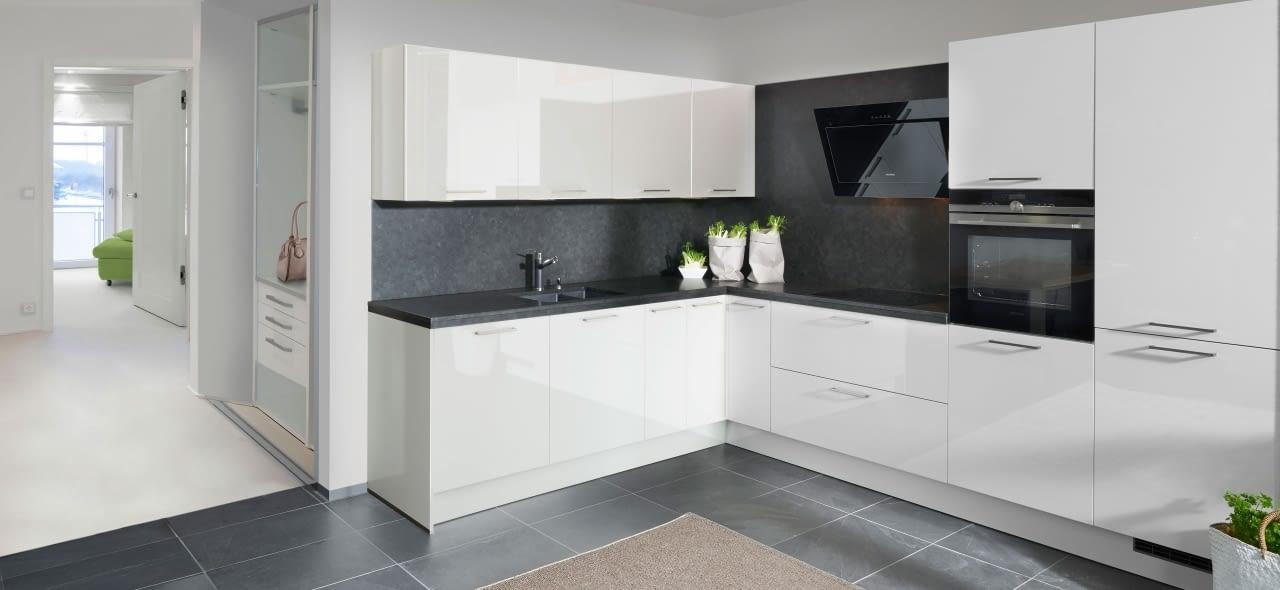 Klassische L-Küche weiß – Marquardt Küchen