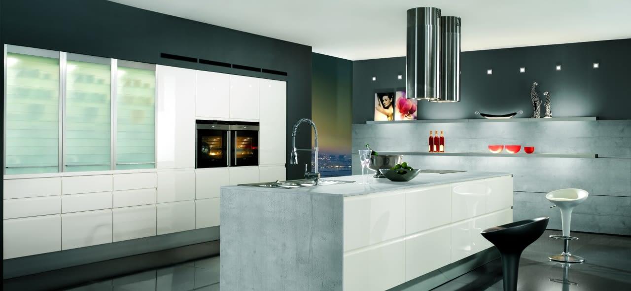 design inselk che pura wei gl nzend mit gris molino marquardt k chen. Black Bedroom Furniture Sets. Home Design Ideas