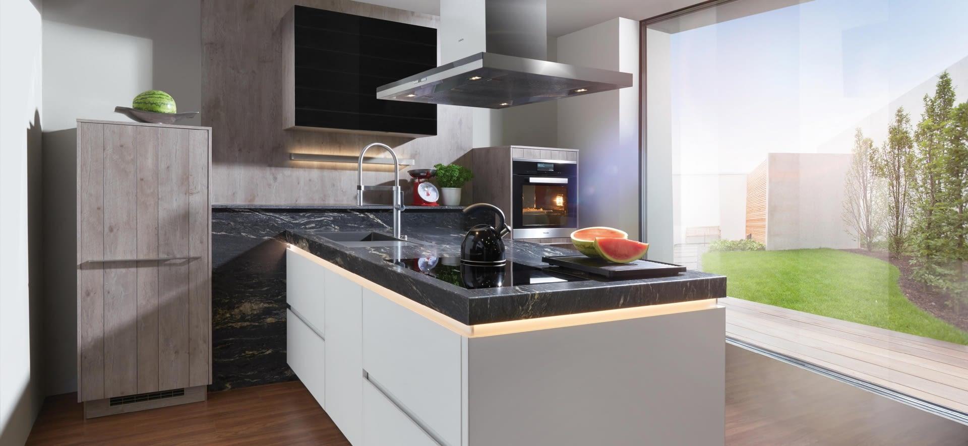 Küchenarbeitsplatten aus Granit & Naturstein – Marquardt Küchen