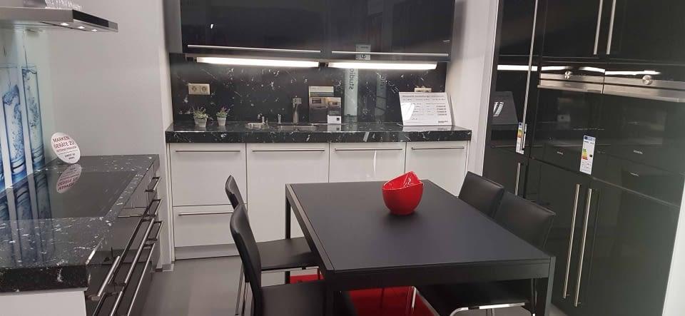 kuche leipzig schlichte helle kche mit weien mbeln und in leipzig wgzimmer in leipzig deutsche. Black Bedroom Furniture Sets. Home Design Ideas