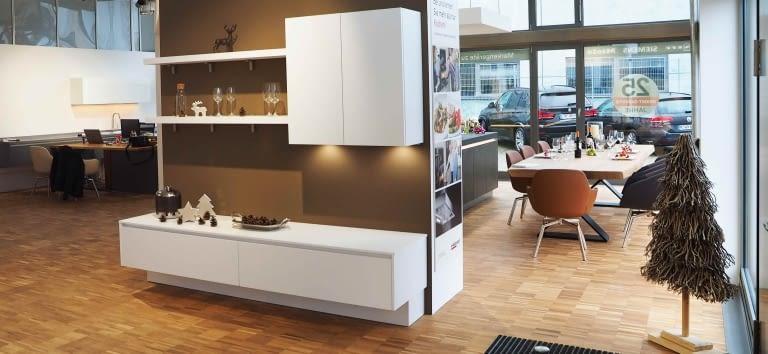 kchenstudio mnchen amazing fantastisch kchenstudio mnchen com kuechenland muenchen slider bild. Black Bedroom Furniture Sets. Home Design Ideas