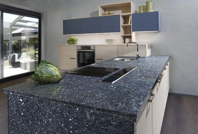 klassische l k che manhattan nordic oak mit labrador blue pearl marquardt k chen. Black Bedroom Furniture Sets. Home Design Ideas